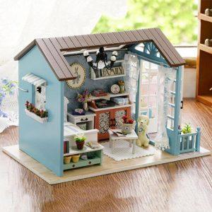 Classical Mini Dollhouse Miniature